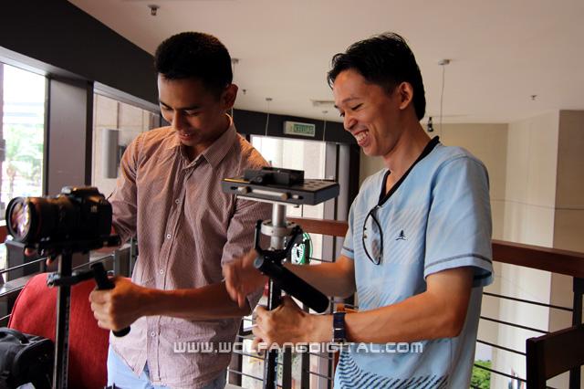 Ong Kok Pai (center) from Brunei and Zahariz (left) attending Glidecam camera stabilization