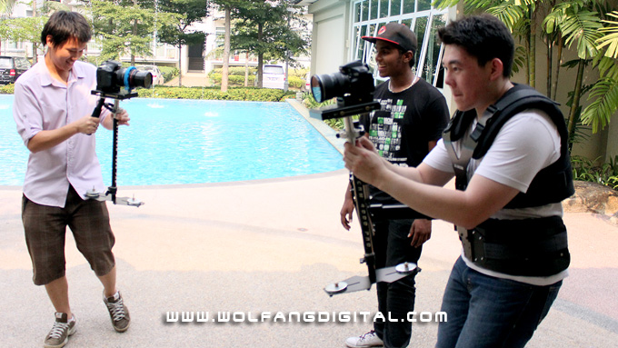 The Glidecam SmoothShooter rig in action, in contrast to the Glidecam 4000 Pro on the left.