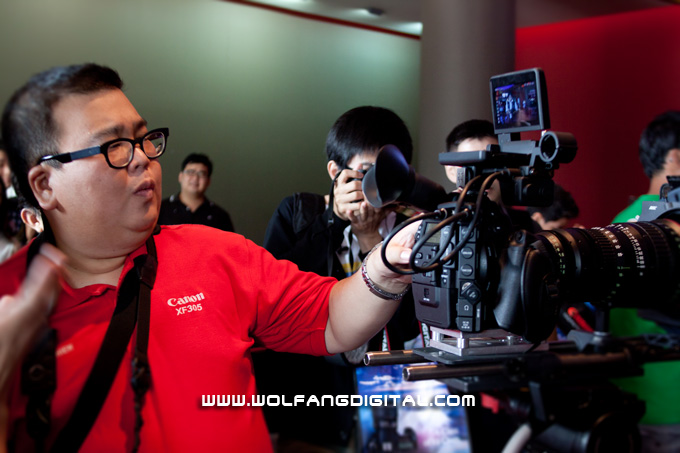 Herman Chiew (Canon Professional HD Center) easily figures out the controls on the C300.
