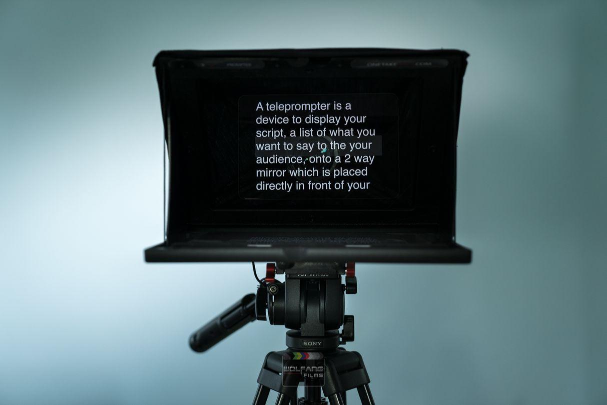 Teleprompter services by WolFang Digital- change font size, remotely scroll speed